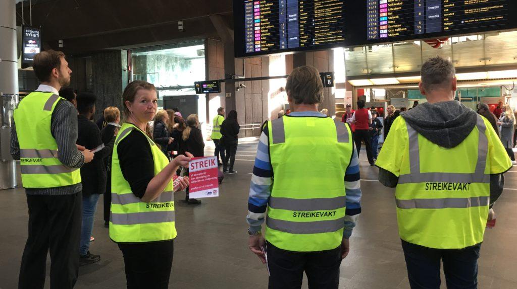 Streikevakter ved Oslo S